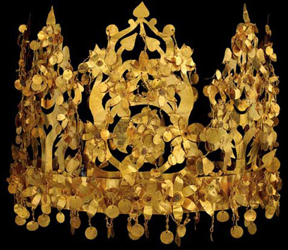 Gold crown from Tillya Tepe, 1st century AD. National Museum of Afghanistan © Thierry Ollivier / Musée Guimet
