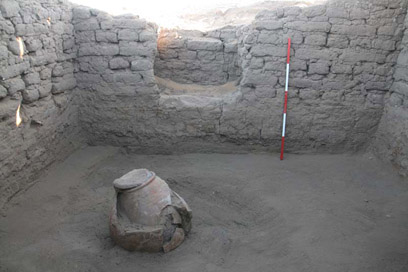 Large vessel (C4029) found buried in the floor of the back room
