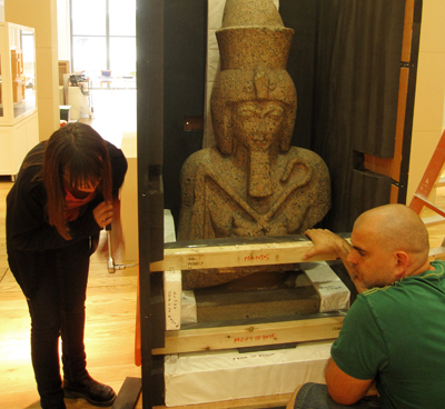 Unpacking a statue of Ramesses the great