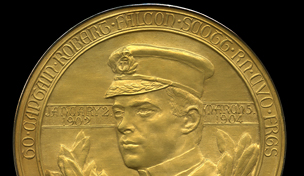Royal Geographical Society medal, awarded to Captain Scott in 1904