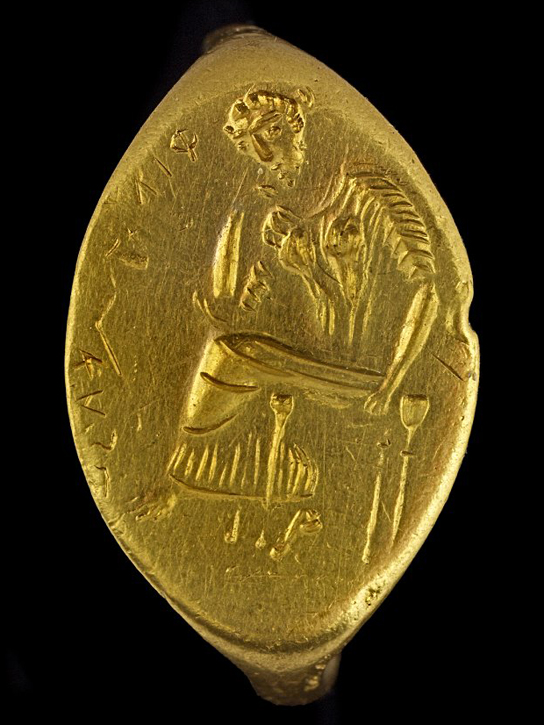 Gold finger-ring with a seated woman, perhaps Penelope. Western Greek, around 400 BC – 300 BC, possibly made in Sicily GR 1867,0508.402