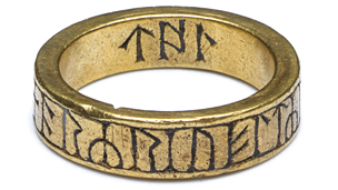 gold finger ring with runic inscription