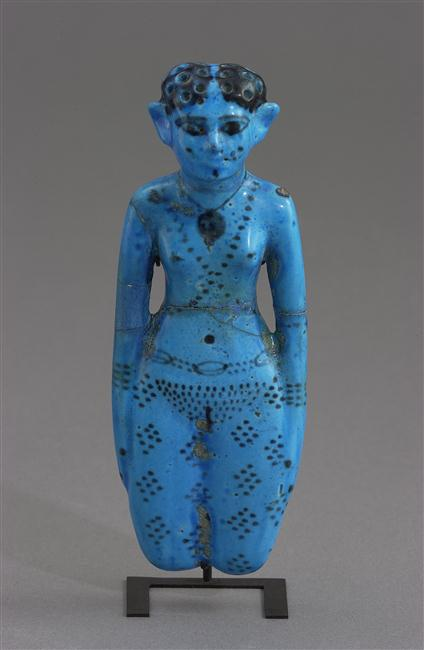 Faience statuette of a woman with body decoration which has sometimes been identified as tattoos (Paris, Musée du Louvre, E 10942). Photo © Musée du Louvre, Dist. RMN-Grand Palais / Christian