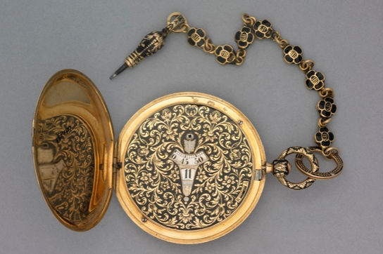 Anonymous gold and niello cased cylinder watch with digital dial and en-suite chain and key