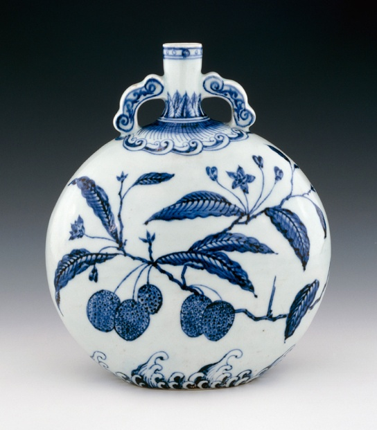 Porcelain vase with underglaze cobalt-blue decoration, Yongle period, 1403-1424, Jingdezhen, Jiangxi province. BM 1947,0712.325