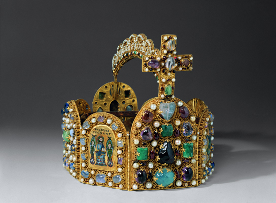 Replica crown of the Holy Roman Empire, 1913. © Anne Gold, Städtische Museen for the City Hall, Aachen