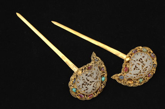 Gold and gem-encrusted hairpins. Nanjing or Beijing, c. 1403-51. Excavated from the tomb of Zhu Zhanji, Prince Zhuang of Liang, and of Lady Wei at Zhongxiang, Hubei province. © Hubei Provincial Museum 湖北省博物馆